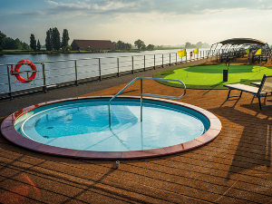 Whirl Pool auf dem Sonnendeck. (c) nicko cruises